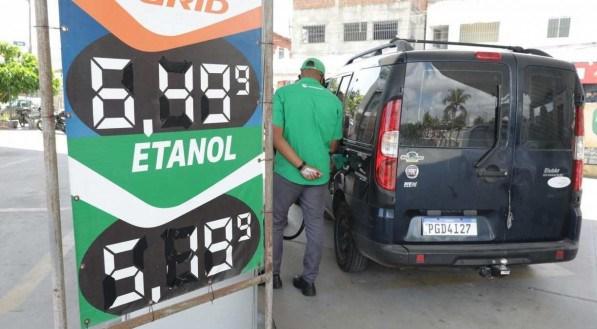 Novo reajuste no preço da gasolina.