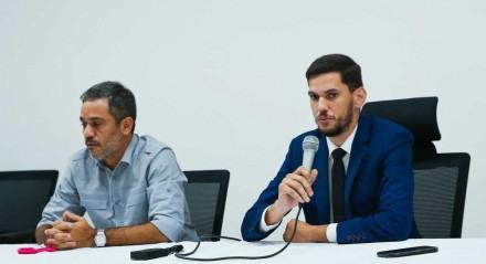 Personagens: Abdias Venceslau e Marino Abreu Palavras-chave: Santa Cruz - Time - Futebol - Pernambuco ##
