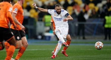 Benzema participou da vitória do Real, em cima do Shakhtar, por 5x0.