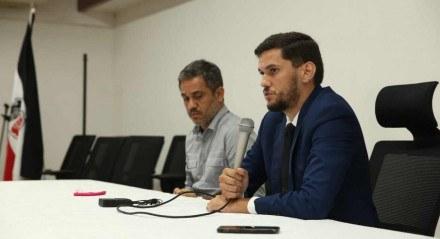 Marino Abreu (D) ao lado do CEO Abdias Venceslau