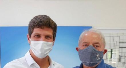 João Campos @JoaoCampos i em São Paulo com o ex-presidente @LulaOficial