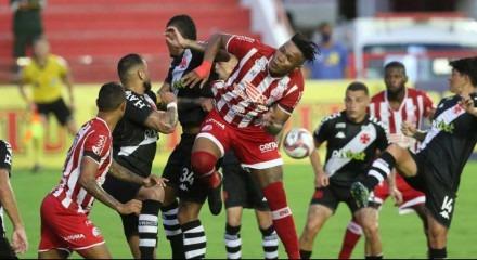 Lances do jogo de futebol Náutico X Vasco, válido pelo Brasileirão da Série B, no Estádio dos Aflitos.