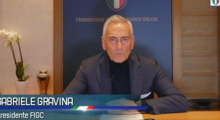 Gabriele Gravina, presidente da Federação Italiana de Futebol, diz que quarentena dos times deve durar até 18 de abril