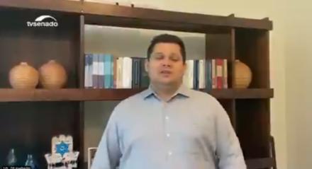 O presidente do Senado publicou o vídeo em redes sociais