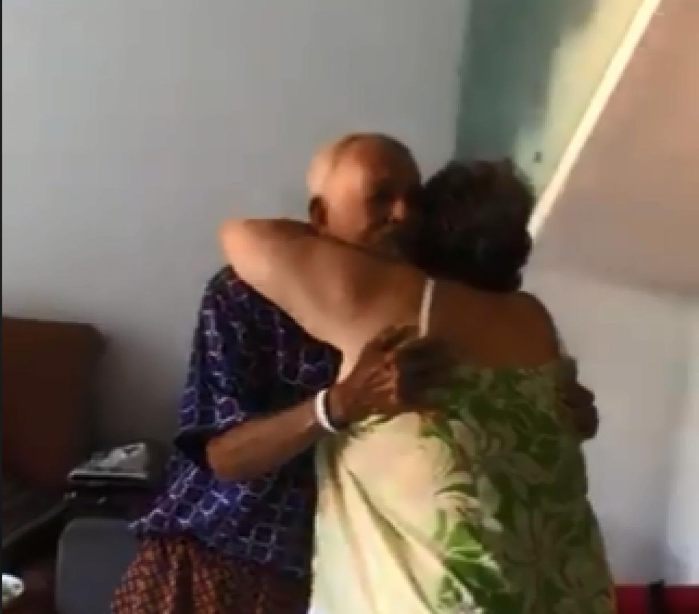 Afastados por causa do coronavírus, casal de idosos se reencontra e  emociona internautas; veja o vídeo