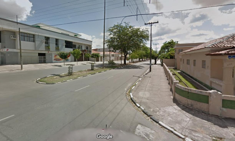 Homem assalta salão de beleza em Caruaru, leva quatro celulares, mas é preso pela polícia