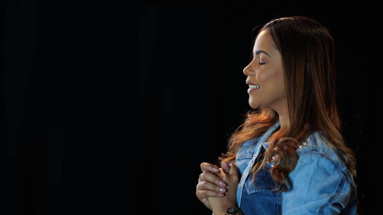 Amanda Wanessa: sorrindo e com sinais de recuperação da consciência, o que se sabe sobre o estado de saúde da cantora