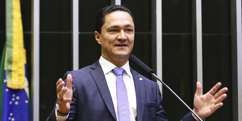 Vice-líder de Bolsonaro critica Paulo Câmara e diz que o governo do Estado só ajuda o Recife e esquece dos outros municípios