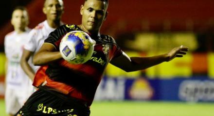 """Para Mikael, o Sport tem que ser campeão estadual por ser """"o maior de Pernambuco e do Nordeste""""."""