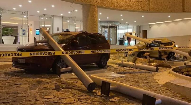 Hotel Emporio, em Acapulco, após terremoto