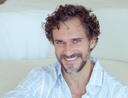 Cria do teatro, Paulo Rocha fez sua estreia no ic�Ŝnico Teatro Nacional, em Lisboa, e de l�¡ partiu para novos desafios